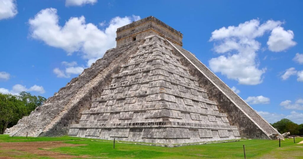 La pirámide de Kukulkan en Yucatán, México.