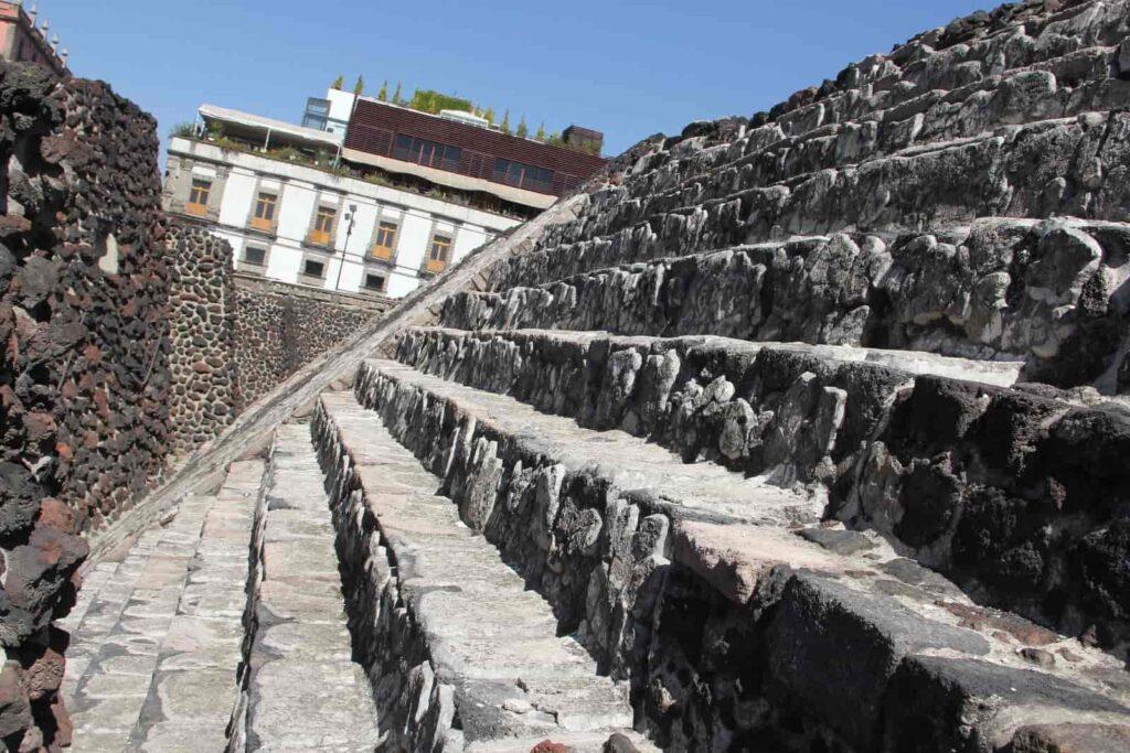 Son impresionantes las excavaciones del Templo Mayor en la Ciudad de México.