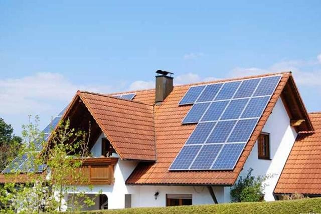 Los paneles solares en losas y azoteas ahorran consumo de energía eléctrica