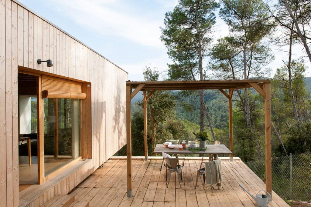 Terraza de casa ecológica